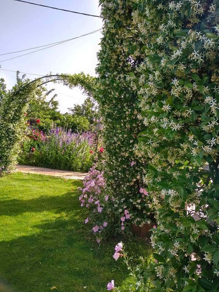 Sklaverochori Garden